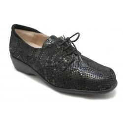 Zapato ancho con cordones