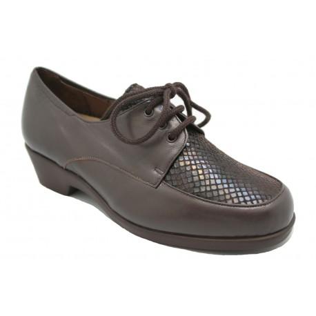 Zapato con cordones cómodo