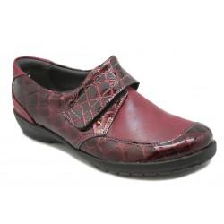 Zapato de mujer moderno. Para juanetes.