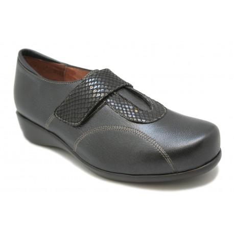 Zapato ancho y cómodo