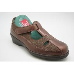Zapato asandaliado cómodo