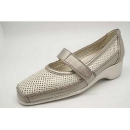 Zapato tipo mercedes con velcro